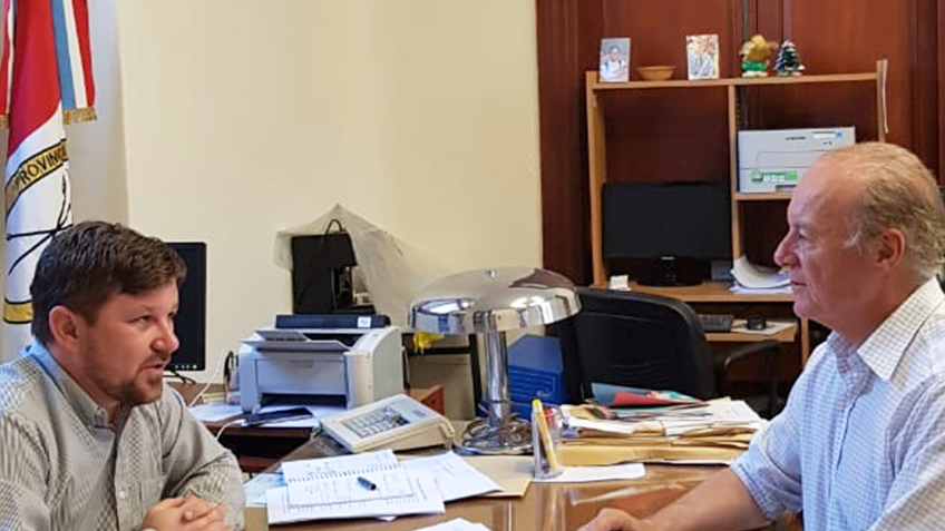 El Intendente Amado Zorzón firmó la  adhesión al Programa Iluminá tu Provincia